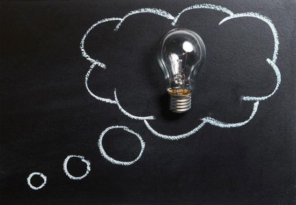 thinking-bubble-blackboard-board